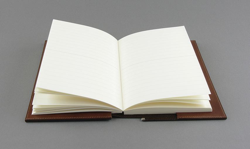 ノートカバーや手帳カバーにもお使い頂けます
