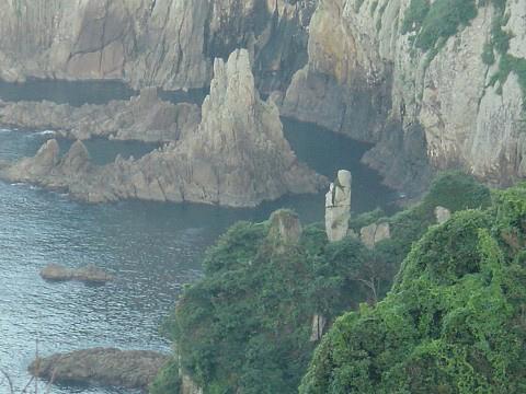 島の東側キタビラ海岸とうろぎ観音