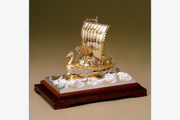 銀製置物 宝船
