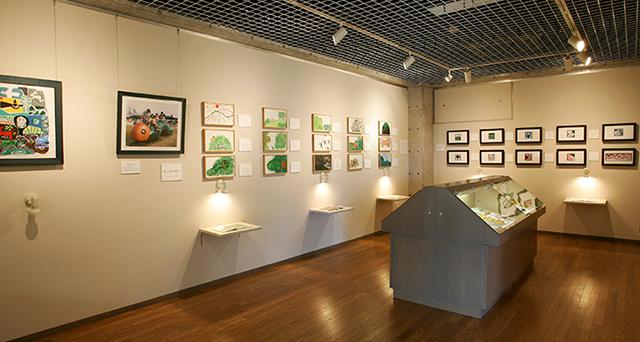 ここは、創作絵本を展示しています。