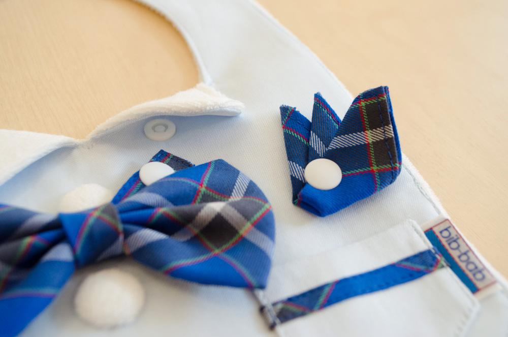 蝶ネクタイは取り外せますので、よだれかけだけでもお使い頂けます。