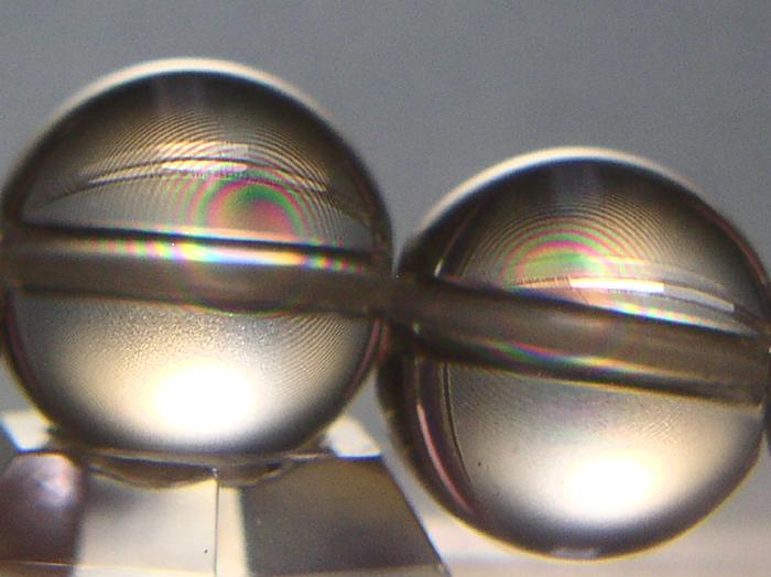 スパイラルクォーツ12mm玉右水晶の右巻きスパイラル