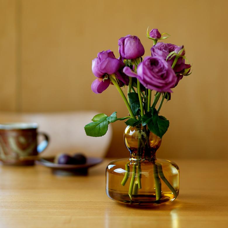 マリメッコ marimekko 花瓶 フラワーベース アンバー 北欧 フィンランド 手吹きガラス