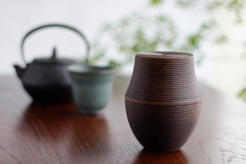 我戸幹男商店の茶筒
