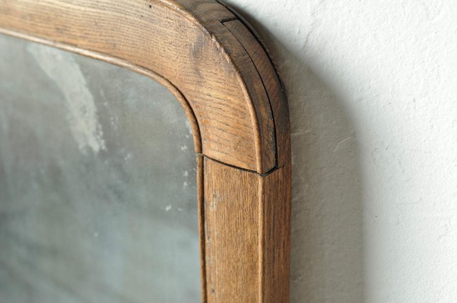 アンティークのミラー(鏡)