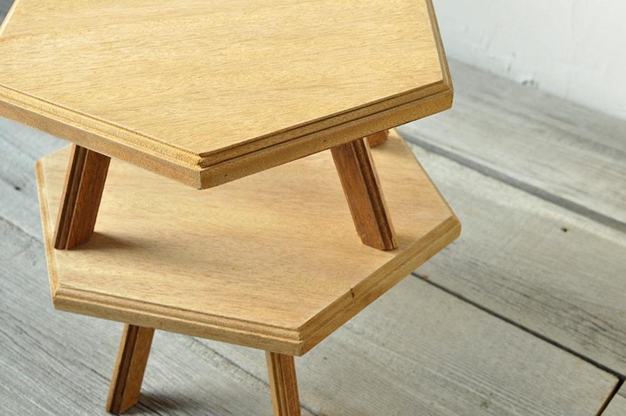 六角形のコーヒーテーブル