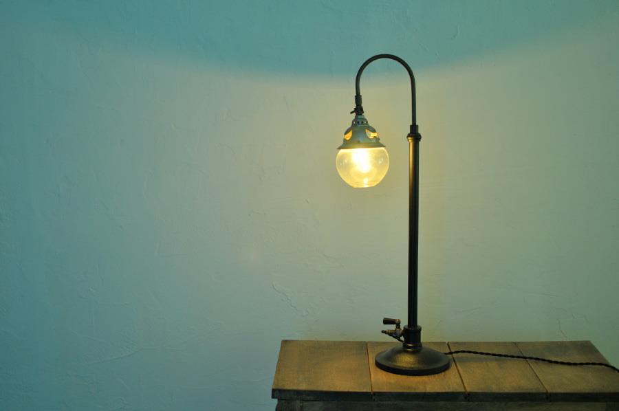 書斎のアンティークの照明