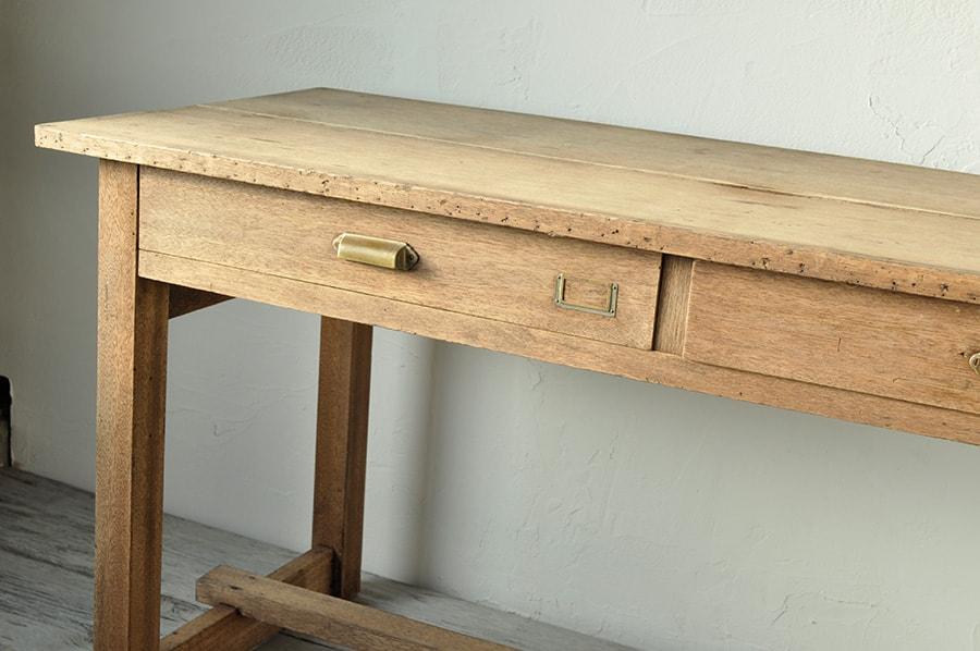 縦長のテーブル