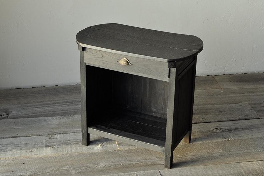 アンティークのコンソールテーブル