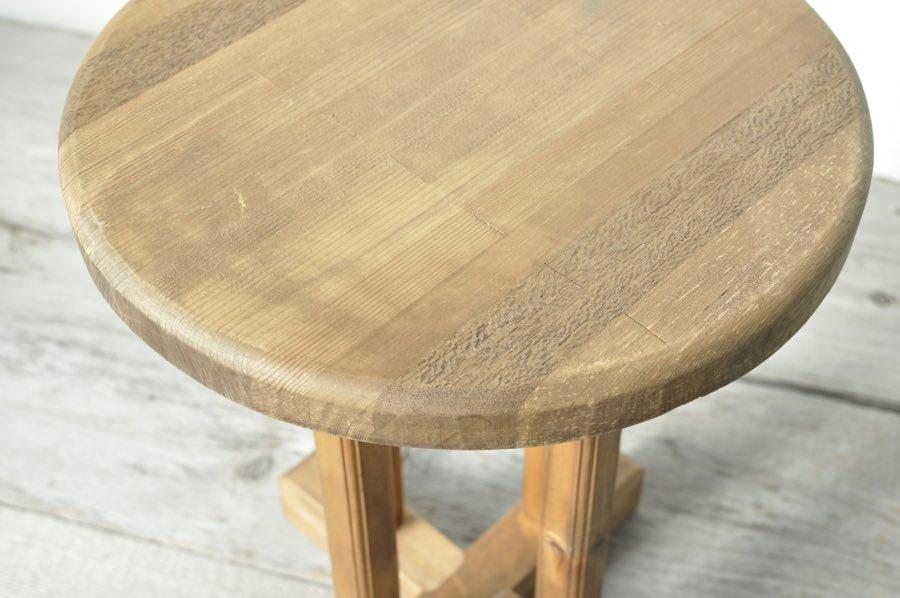 アンティークの木製スツール
