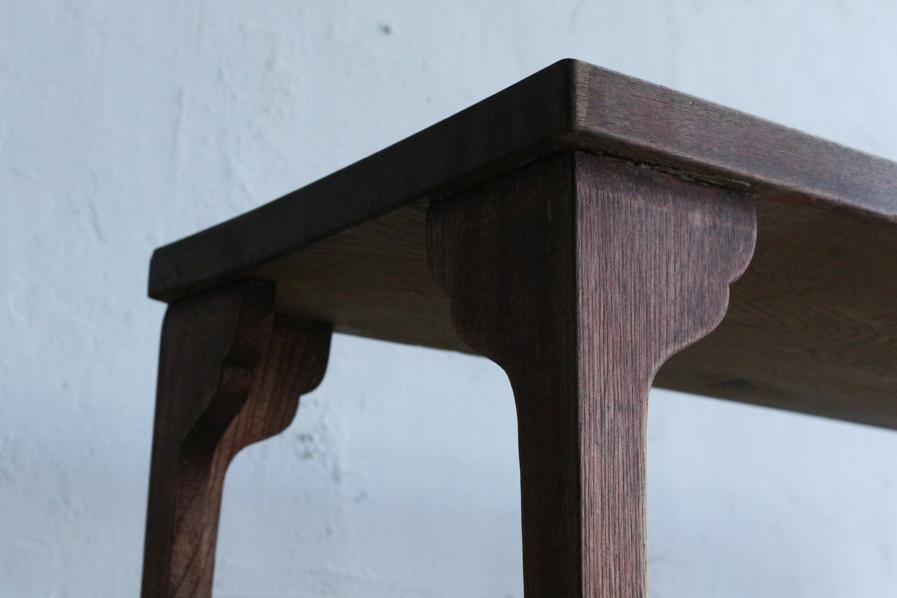 日本のアンティークのクリ材の天板のコーヒーテーブル