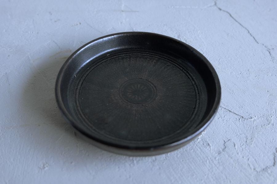 戸津圭一郎さんの三島切立小皿