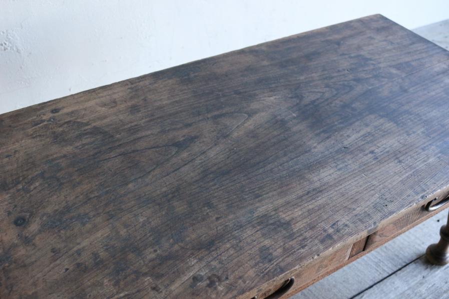 日本の古道具のクリ材のろくろ脚のコーヒーテーブル
