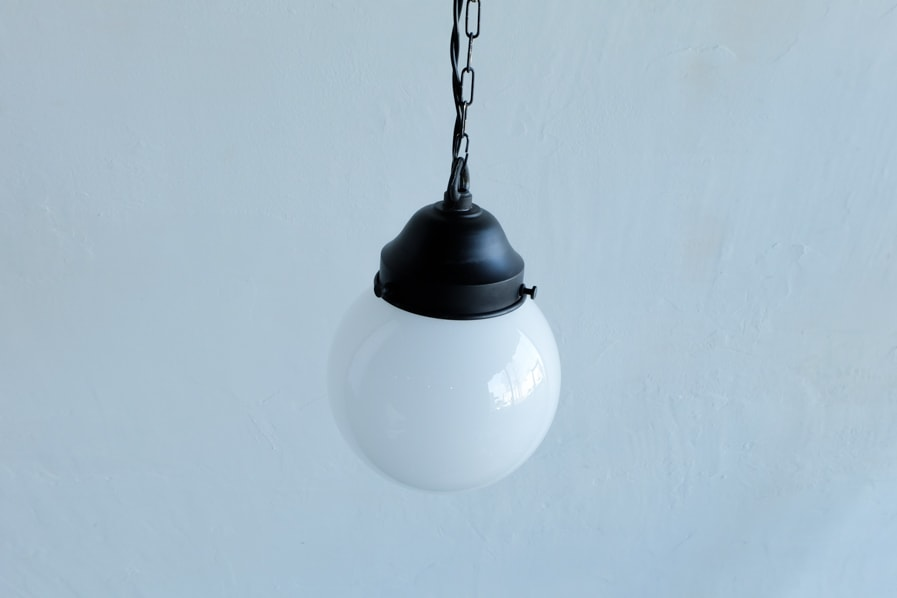 日本の古道具風のペンダント型の照明