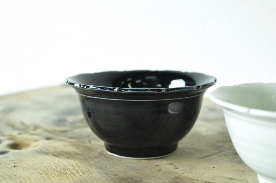 阿部春弥さんの輪花小鉢(白磁・淡瑠璃・黄磁)