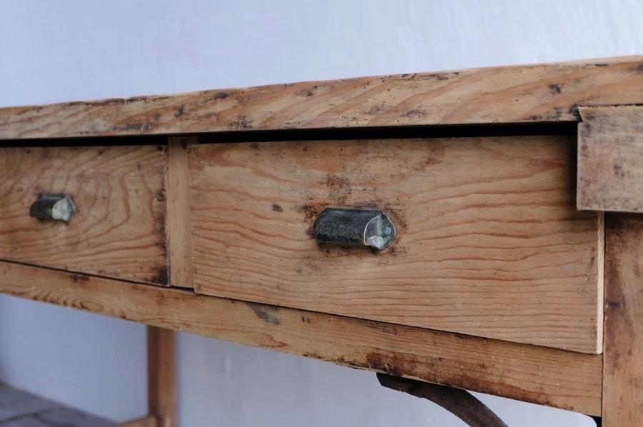 無塗装のアンティークダイニングテーブル