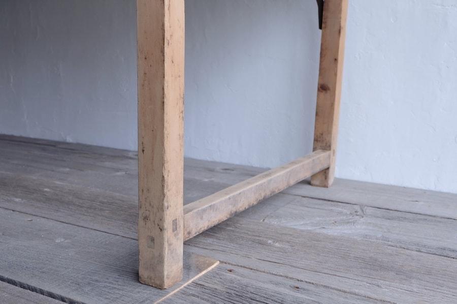 縦長のアンティークダイニングテーブル