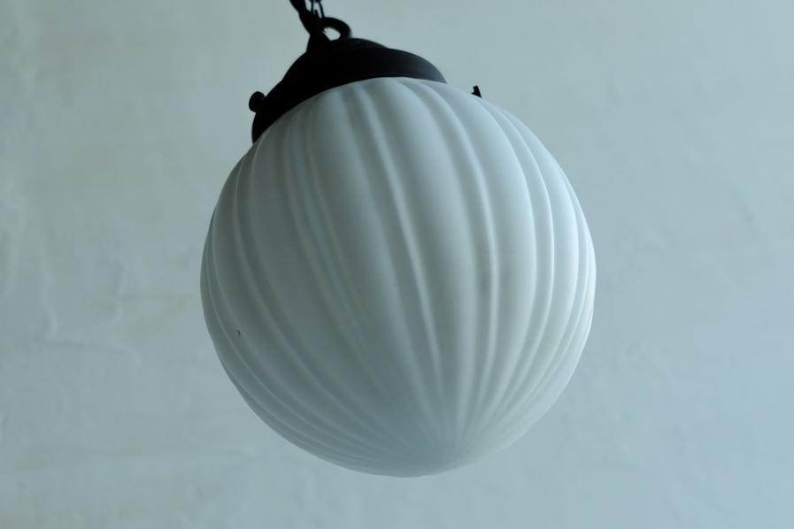 アンティークのぼんぼり型の照明