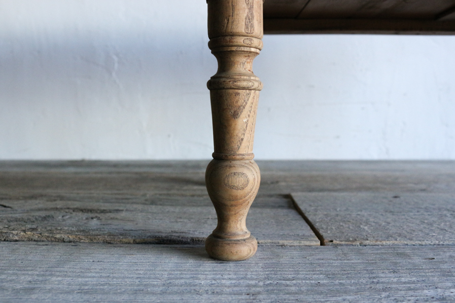 アンティークの日本のろくろ脚のコーヒーテーブル