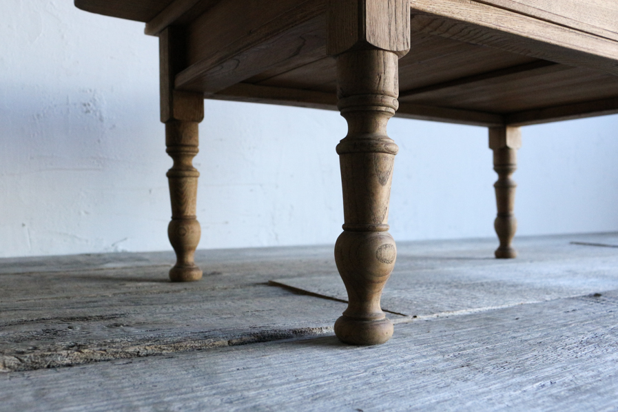 和のアンティークのろくろ脚のコーヒーテーブル