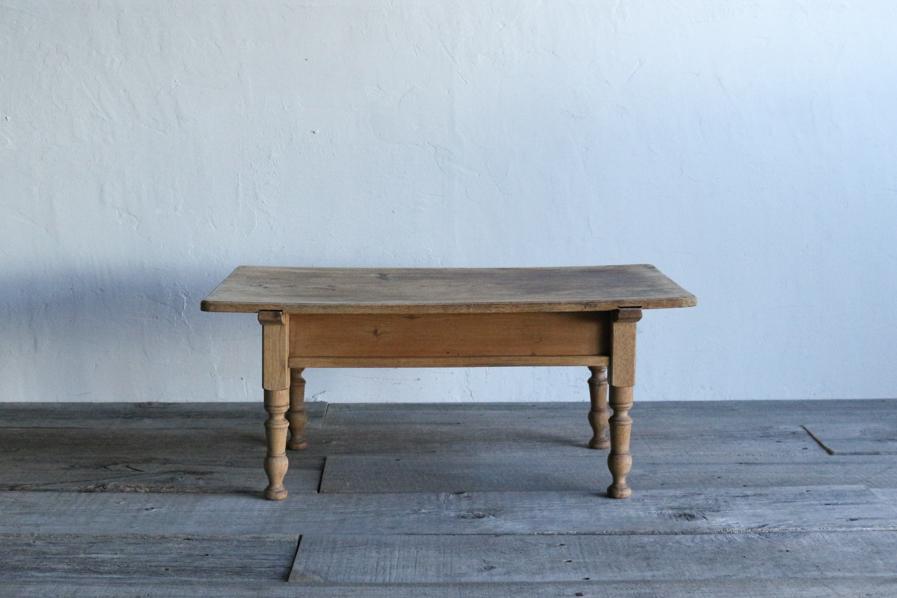 日本のアンティークのシンプルな白木のコーヒーテーブル