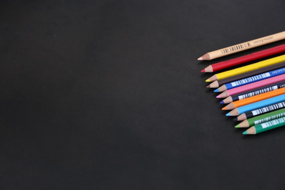 ピット層鞣しS003本ヌメ革_黒_色鉛筆比較4623_R.JPG|革販売の和乃革