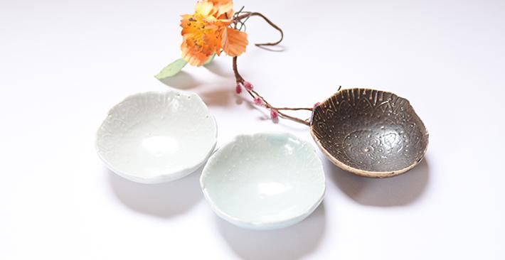 前田麻美さんの白色と黒色と青白磁のお鉢