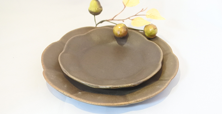 古谷製陶所サビ釉 輪花皿
